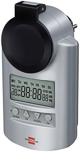 Laikmatis įžemintiems lizdams, nustatymas 12, 24 val., ekranas, 20 skirtingų programų, 240V / 16A / 3680W, NiMH baterijos, naminių gyvūnėlių apsauga, IP 44 Brennenstuhl sidabrinė / GT-464